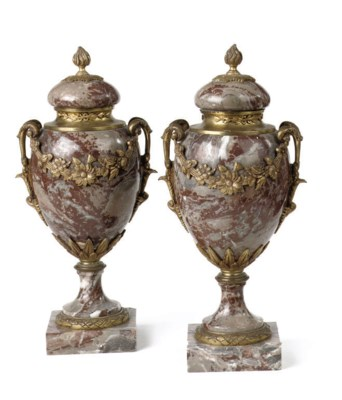 A PAIR OF ORMOLU-MOUNTED RED,