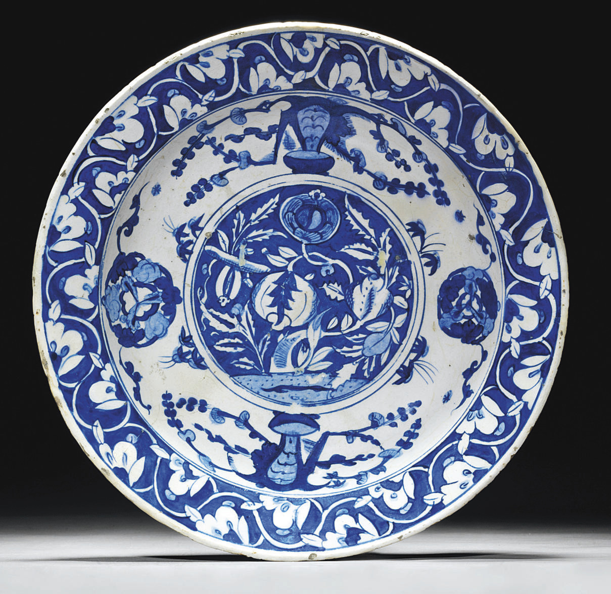 A BLUE AND WHITE IZNIK POTTERY