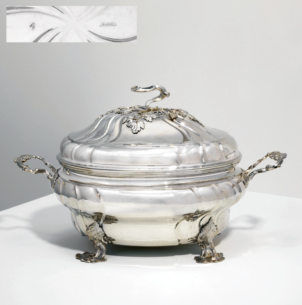 A CONTINENTAL SILVER SOUP TURE