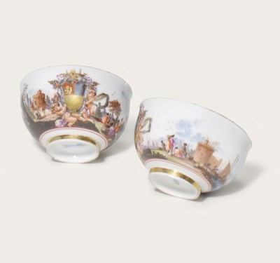 A PAIR OF MEISSEN PORCELAIN TE
