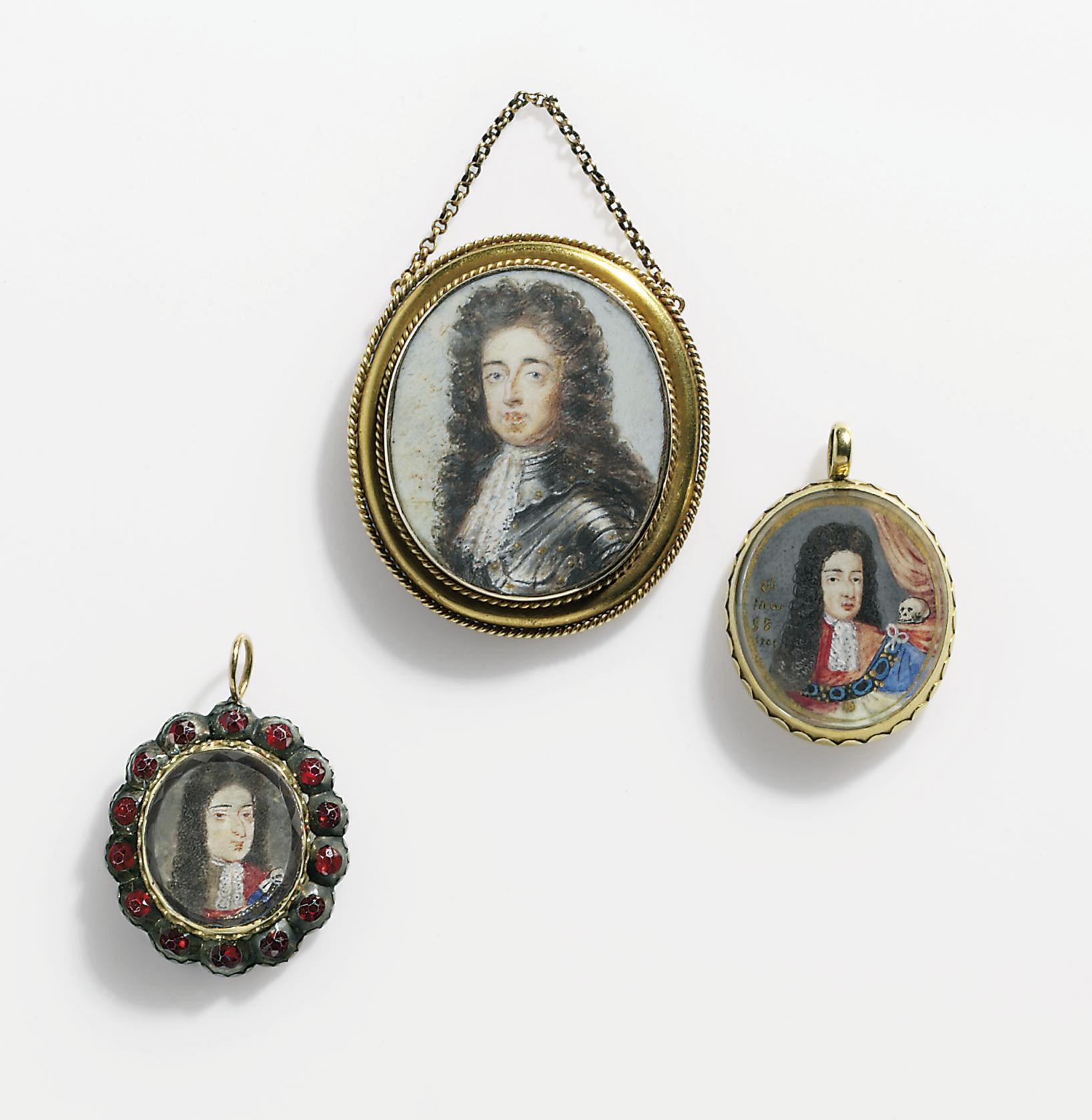 TWO WILLIAM III MEMORIAL PENDA