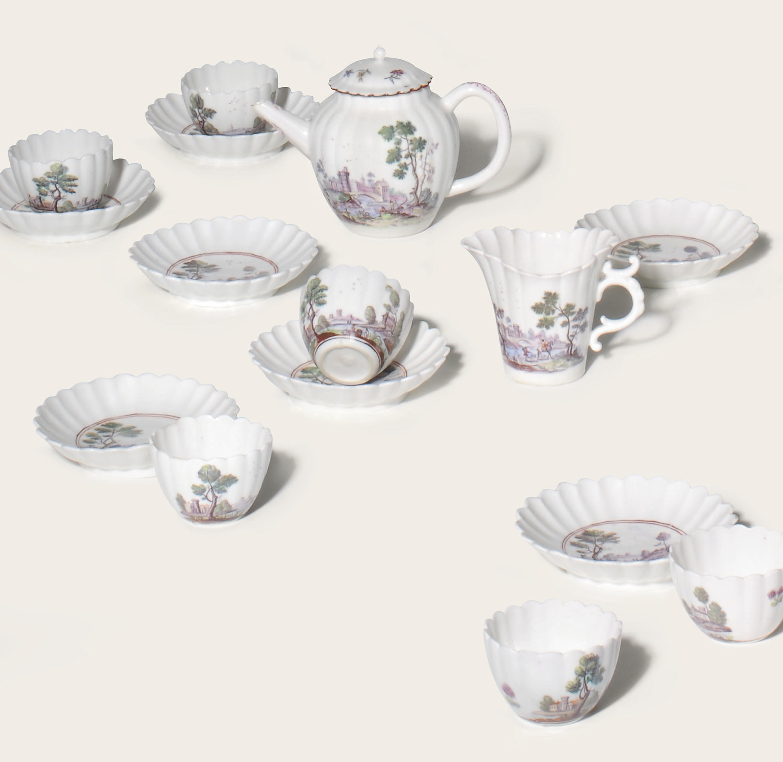 A CHELSEA PORCELAIN PART TEA-SERVICE