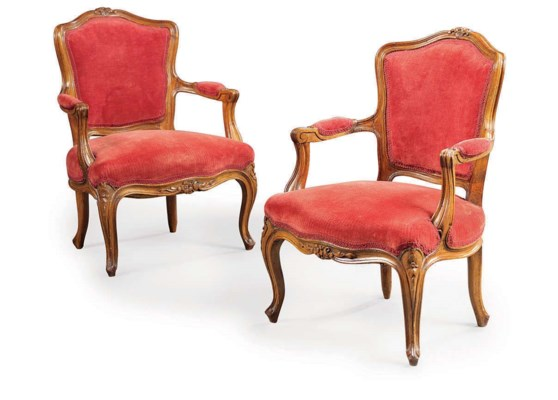 A PAIR OF FRENCH BEECHWOOD MIN