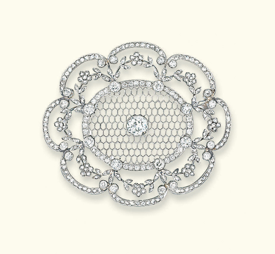 A BELLE EPOQUE DIAMOND BROOCH