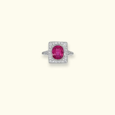 AN EARLY 2OTH CENTURY RUBY AND