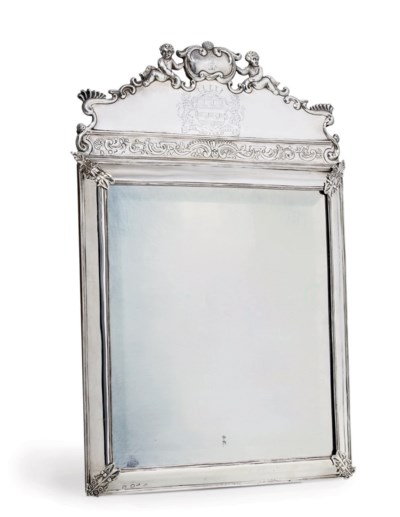 A WILLIAM AND MARY SILVER DRES