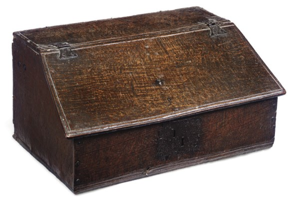 A CHARLES II OAK SLOPE-LID BOX