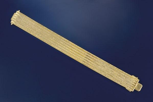 A multi-row bracelet