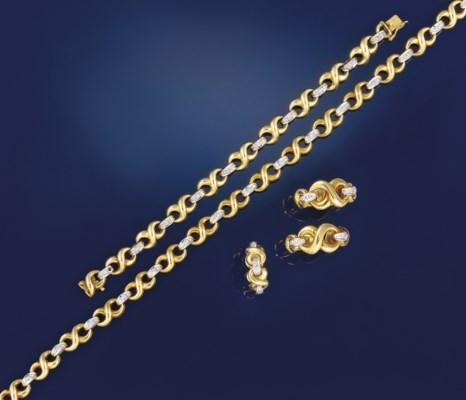 A suite of diamond set jewelle
