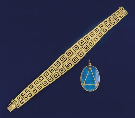A bracelet and pendant, by Ili