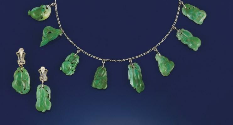 A jadeite jade festoon necklac