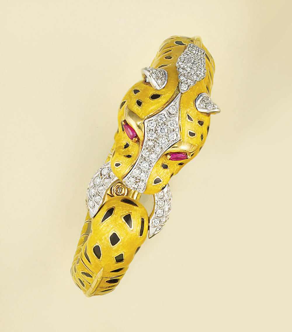 An enamel, diamond and sapphir