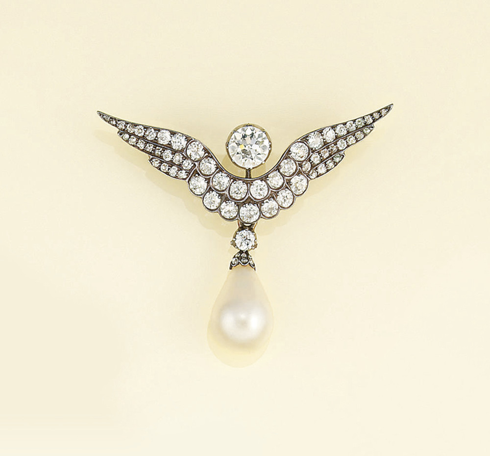 A late 19th century pearl and