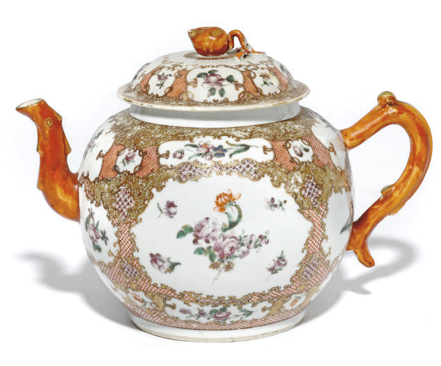 A CHINESE EXPORT PUNCH POT AND