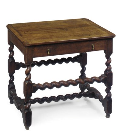 AN OAK SIDE TABLE