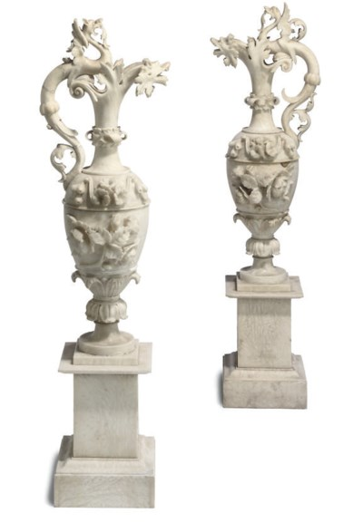 A PAIR OF ITALIAN ALABASTER EW