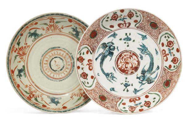 TWO CHINESE SWATOW BOWLS