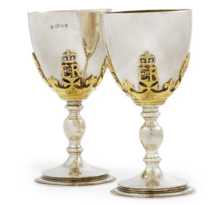 A PAIR OF MODERN SILVER GOBLET