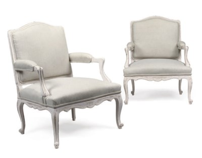 A PAIR OF WHITE-PAINTED FAUTEU