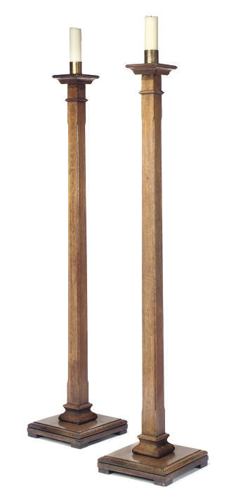 A PAIR OF ARTS AND CRAFTS OAK