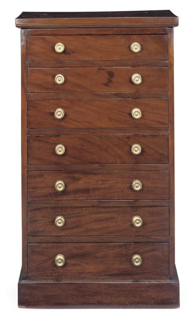 A MAHOGANY WELLINGTON CHEST