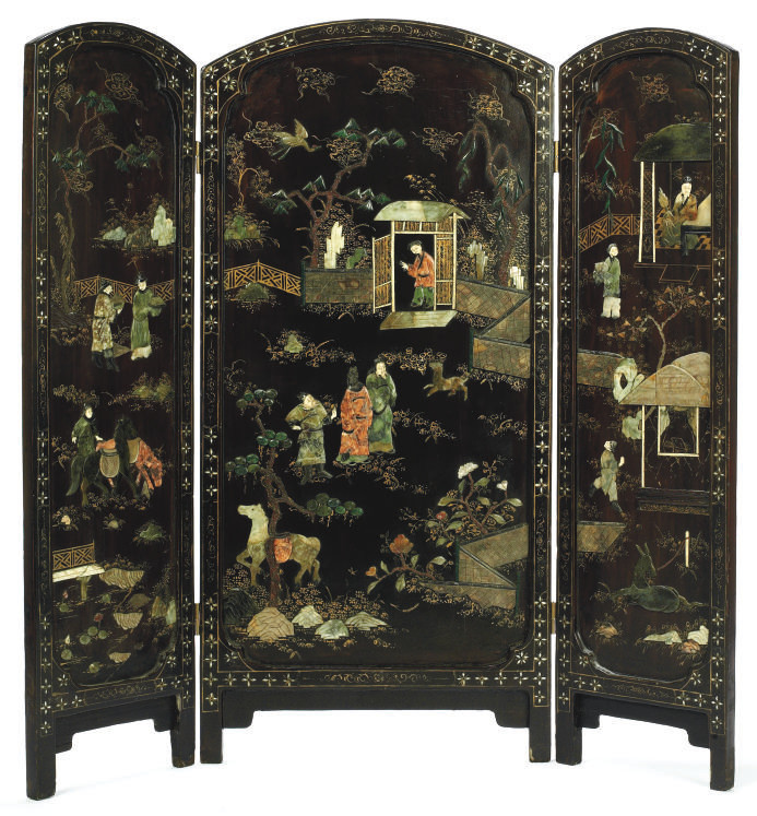 A CHINESE THREE FOLD LACQUER S