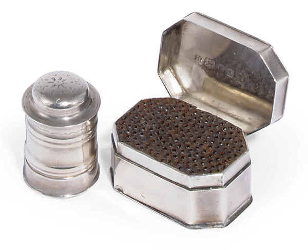 A GEORGE III SILVER NUTMEG GRATER