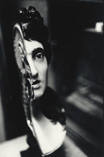Zoe Leonard (B. 1961)