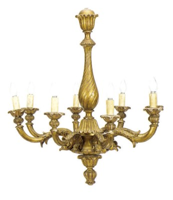 A GILTWOOD EIGHT-LIGHT CHANDEL