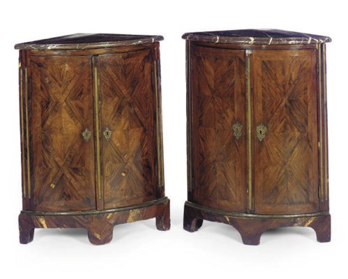 A PAIR OF REGENCE KINGWOOD AND