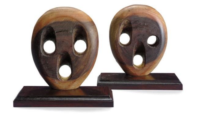 A pair of deadeye bookends