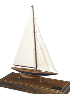 A model of the 1934 America's