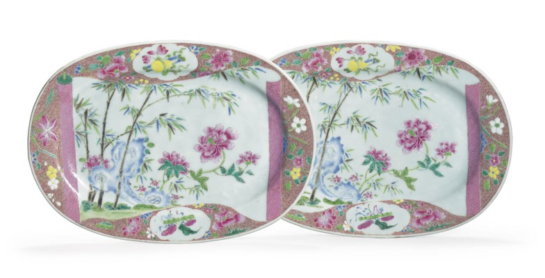 A PAIR OF FAMILLE ROSE OVAL DI