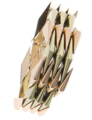 A RETRO BI-COLORED GOLD BRACEL