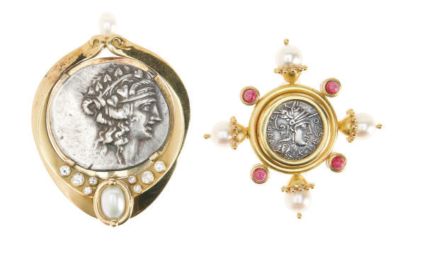 A GROUP OF COIN, MULTI-GEM AND 18K GOLD BROOCHES