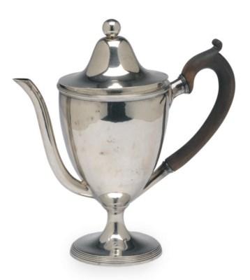A SMALL GEORGE III SILVER ARGY