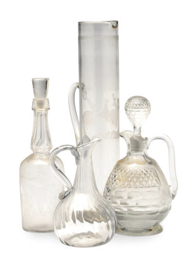 A GROUP OF GLASS DRINKWARE,
