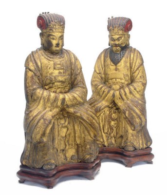 A PAIR OF CHINESE GILTWOOD FIG