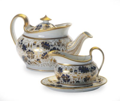 AN ENGLISH PORCELAIN TEA SERVI
