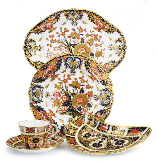 AN ASSEMBLED ENGLISH IMARI POR