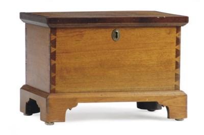 AN AMERICAN WALNUT TABLE BOX,
