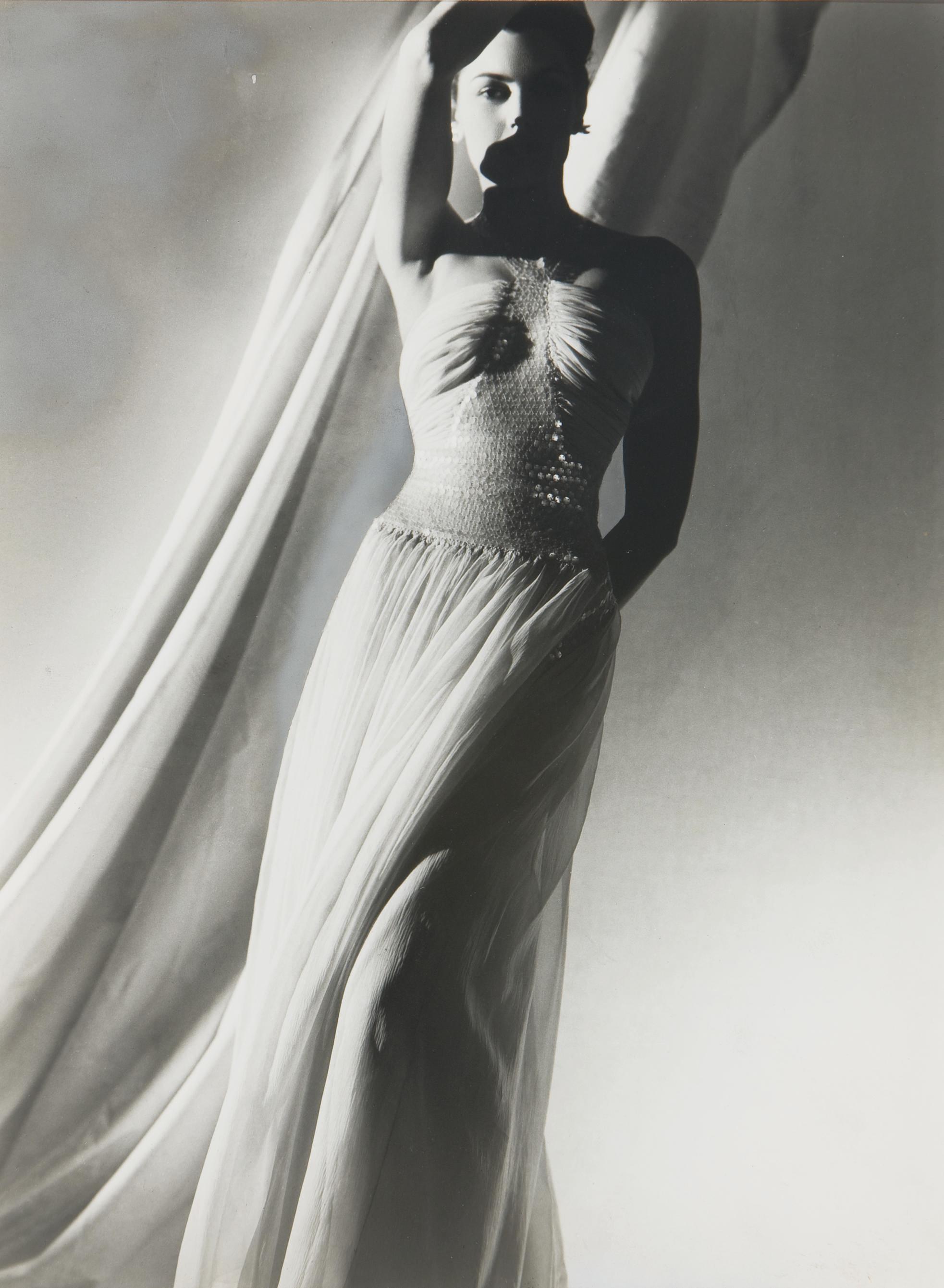 Fashion studies, 1939-1942