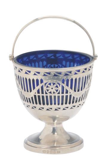 A GEORGIAN SILVER SUGAR PAIL WITH A BLUE GLASS LINER,