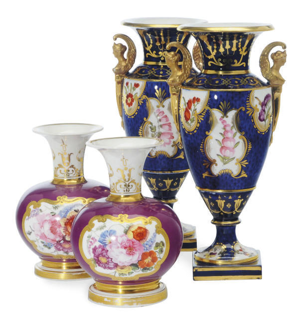 A PAIR OF ENGLISH WORCESTER-ST