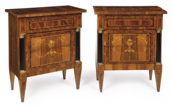 A PAIR OF ITALIAN WALNUT, MARQ