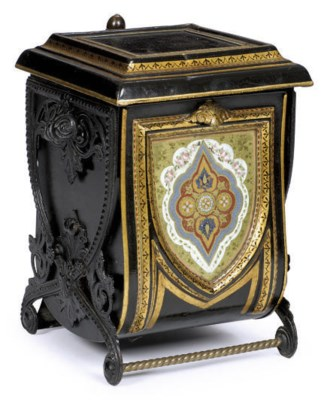 A VICTORIAN BLACK AND GILT-TOL