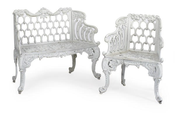 A SUITE OF VICTORIAN WHITE-PAI
