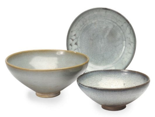 TWO CHINESE JUNYAO BOWLS AND A