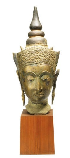 A THAI BRONZE HEAD OF BUDDHA,