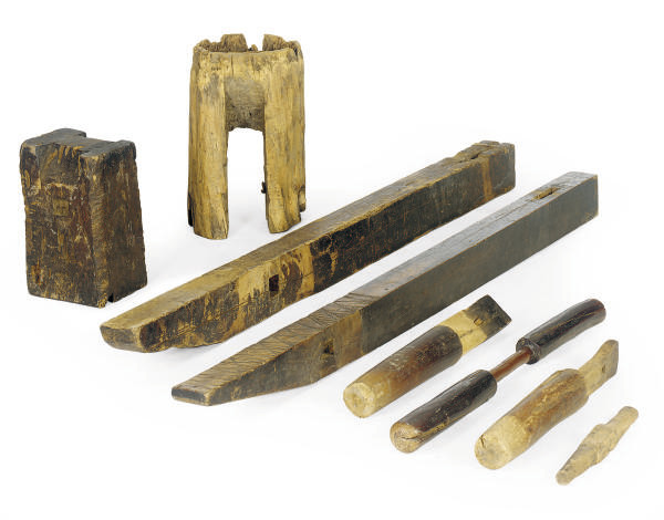 EIGHT CHINESE WOOD OBJECTS,